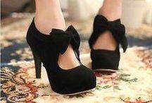 Shoes / by Chantal Barlow