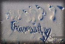 Family Photos / Yearly family photo ideas / by Jentilla-the-mum