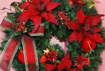 Christmas..Wreaths/Swags / by Marilyn Ledford