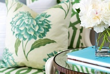 Stylish Pillows for indoor~~~use outdoor fabric and  the inside can go outside!!! / by Pam Rutledge