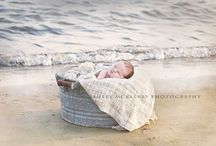 Birth Announcement Photography ideas / Some truly beautiful baby photos to get the inspirational juices flowing....