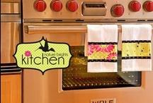 Home Decor - Kitchens / by Erica Higashi