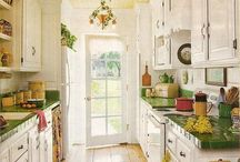 J. Just the kitchens / All the dreamy kitchen ideas / by Jennifer Lippmann
