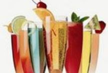Royal Beverages / Wonderful alcoholic and non-alcoholic drink recipes for at home and entertaining on all kinds of holidays and occasions. Lots of ideas and inspiration for your beverage bar, beverage station or beverage center!