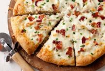 Like a Big Pizza Pie / by Jessica Chenault