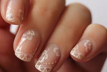 Estrogen: Paws & Claws / Nail art.