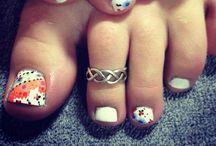Nail art! / Nail art and designs / by Kaitlyn Link