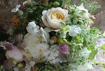 July flower delivery bouquets and seasonal wedding flowers / All British flowers from Common Farm Flowers between Bruton and Wincanton in Somerset