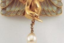 Metals/Jewelry / by Doree Deleon