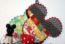 Oven Mitts and Pot Holders / pot holders/ oven mitts no longer need to be square and boring