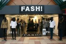 FASH! / Fash! is een frisse damesmodezaak in het centrum van Oosterhout. De winkel is in april 2011 opgericht en in de regio exclusief verkooppunt van kledingmerk Sapp. Je vindt er ook veel leuke en aantrekkelijke accessoires zoals tassen en riemen.