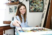 Art Studio for Mom / Inspiration for your art or craft space. Whether you are doing art projects, painting, drawing or have a nature or art journal, You need a space for your craft!  / artist / studio space / artist space / mom / mom artist / art studio / art / craft room / DIY /
