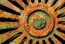 R U S T / Rusty junk.....LOVE IT!!! / by Debi Feeney