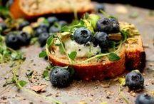Cheesy Crostini / by Rachel Riggs