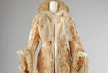 Outerwear, 1900s / Coats, wraps, capes, and shawls.