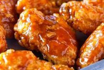 Superbowl & Tailgating Recipes / Cheer on your favorite team while enjoying our favorite game day foods!