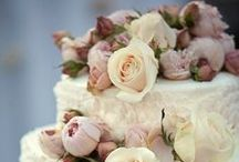 Wedding cakes ideas / by Katrina Gilbert