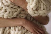 The comfortable life / by Linda Rowley