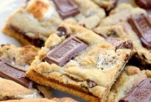S'Mores / S'mores are the quintessential yummy summertime campfire and kitchen sweet treat. / by Young America