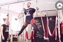AeroYoga ® / Fotos originales AeroYoga® by Rafael Martínez. AeroYoga® es un método artístico de trabajo en suspensión.  Su objetivo es potenciar desbloqueo, belleza y creatividad en el ser humano. Busca ser un verdadero coaching para aumentar la fuerza física, destreza así como redefinir, reestructurar y estilizar el cuerpo. Comprende los sistemas exclusivos: Aero Yoga®, Aero Pilates® AerialFitness® DIPLOMA ACREDITADO YOGA ALLIANCE.