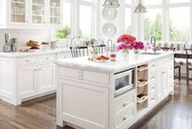 Kitchens / by Shelly Bailey