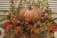 Thanksgiving Table Decor / Tablescapes