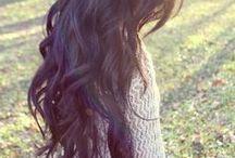 Amazing hair.  / by Anne-Frédérique Laporte
