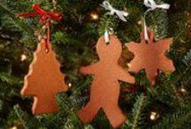 Christmas / Beautiful Christmas decor ideas as well as activity ideas for the whole family.  - candleinthenight.com