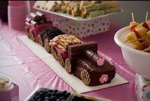 Birthday: Choo Choo Train / Fun ideas for a girly train themed birthday party! - candleinthenight.com