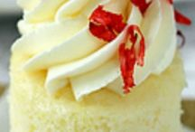 Cupcakes / by Linda Puleo