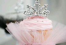 Cute Cupcakes / by Kerri Cunningham