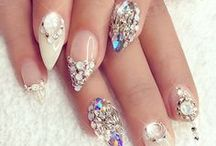Prom Nails + Manis / Prom Manicures, Prom Nail Inspiration, Nail Tutorials, Nail Polish, Manicure Tutorials, Prom Nails, Prom Nail Designs, Acrylic Prom Nails, Gold Prom Nails, Glitter Prom Nails, Cute Prom Nails, Prom Nail Ideas, Long Prom Nails, Almond Prom Nails, Shellac Prom Nails, Gel Prom Nails, Round Prom Nails, Prom Nails with Jewels, Rhinestone Prom Nails, Winter Formal, Semi Formal
