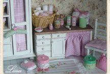 Dollhouses & Miniatures / by Cari Ann