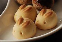 Tasty: Breads / by BreAnna Houss