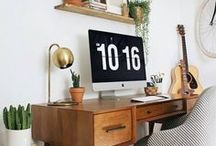 Cute Desk/Office Decor / Cute and organised desk / home office decor ideas and inspirations.  Desks, work areas, blogging stations, feature walls, print walls, motivation quotes etc.