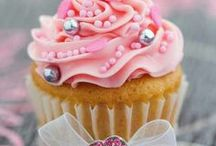 CUPCAKE love / cupcakes are so pretty you almost don't want to eat them