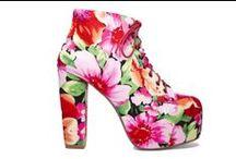 Woman Shoes (S/S) - Scarpe per Donna (P/E) / Are you looking for those particular shoes? Wanna see most beautiful, sensual shoes of best brands? Here you are! If you like, please repin! ;) Stai cercando le scarpe più belle e sensuali o quelle del tuo brand preferito? Guarda le foto e scegli la più bella! (www.purseandco.com) / by Purse & Co …Una sfilata di borse e moda.