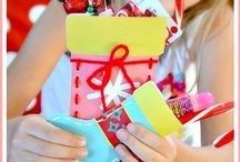 Merry Christmas: Gifts / Christmas gift ideas for kids, mom, teens, friends, neighbors, men and more. Handmade gift ideas and creative gift ideas.  / by Amber Price: Crazy Little Projects