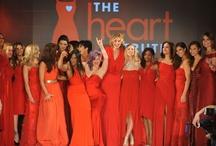 The Heart Truth 2013 / Este desfile se realizó ayer en Nueva York. En el celebridades de televisión se pasearon con sus vestidos rojos. Este evento apoya año a año a las mujeres con problemas cardíacos.