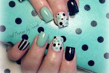 Nails nails And more Nails / by Lisa Mares