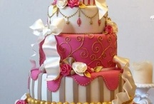 Big Cakes / by Stephen Scott's Amazing Weddings