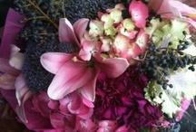 CENTERPIECES-fruit+flowers / My favorite floral arrangements incorporate unique textures and fruit+berries