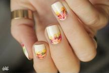 Nails / by IIQL