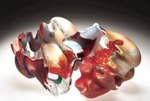 Contemporary Glass / This collection showcases vessels, objects, sculptures, and installations made by international artists over the past 25 years, and demonstrates the different ways glass is used as a medium for contemporary art.