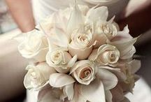 Beautiful Blooms / From centerpieces to bouquets, we're in love with these beautiful blooms.