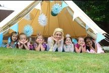 Frozen Themed Party Decorations / Luck & Luck have a range of blue and white snowflake decorations for Frozen Parties!