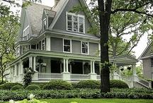 Houses / by Jodi