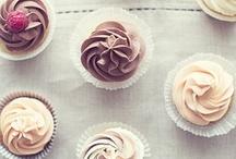 cupcakes galore.