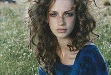 good lookin / by Isabelle De La Fontaine