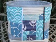 Fabric Baskets & Buckets / Containers made with fabric - patchwork, quilted, appliquéd, rope... tutorials, ideas, inspiration, patterns - fabric baskets, fabric buckets, fabric bowls, fabric boxes - storage solutions
